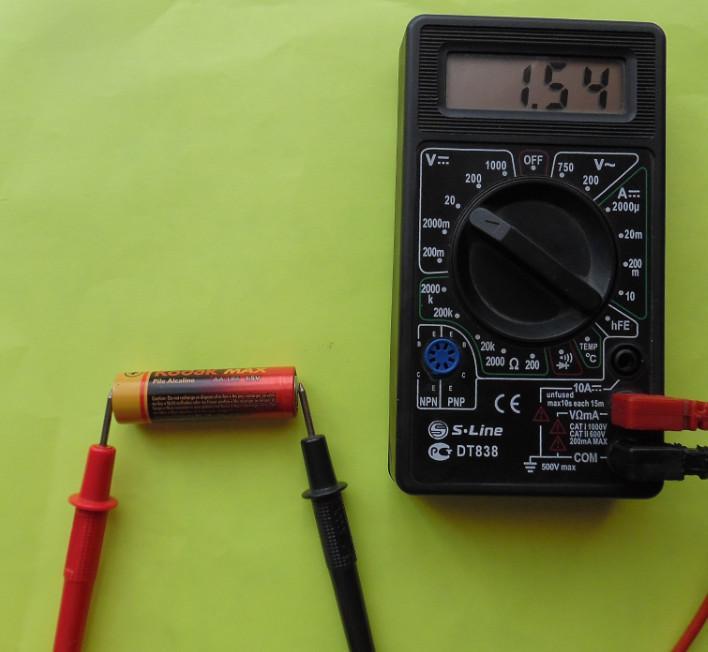 Проверка пальчиковой батарейки