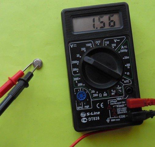 Проверка круглой батарейки